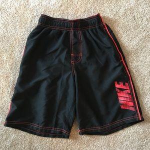 Boys Nike shorts w/drawstring waist - size small